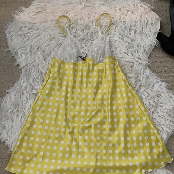 3/$20 Yellow polka dot nightie, size small